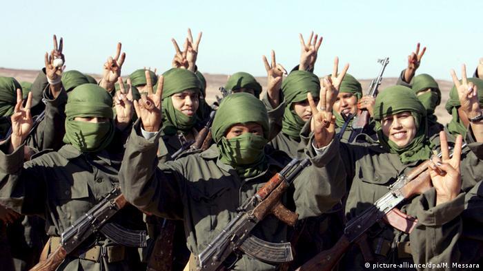 Parade zum 35. Jahrestag der Gründung der Polisario in Westsahara (picture-alliance/dpa/M. Messara)