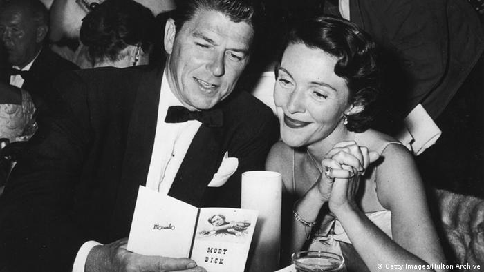 Schauspieler Ronald Reagan und Frau Nancy Reagan (Getty Images/Hulton Archive)
