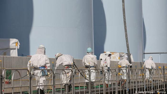Japan Okuma Fukushima Daiichi Workers at new radiation contaminated water tanks