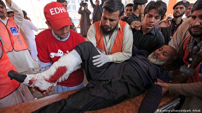Pakistan Shabqadar Anschlagopfer auf Liege
