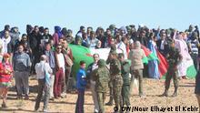 27.02.2016+++++++Thema: Westen Sahara Konflikt - Vorsetellung der Jugend Bild3: Polisario-Kämpfer und Jugendliche feiern, in der Flüchtlingslagern von Tindouf (Süd Algerien), den Jahrestag der einseitiger Erklärung des Staates RASD (République arabe sahraouie démocratique, Demokratische Arabische Republik Sahara).. Kopierechte: DW arabisch Korrespondentin in Algerien: Nour Elhayet El Kebir Aufnahme Datum: Tindouf, Süd Algerioen, 27.02.2016 (c) DW/Nour Elhayet El Kebir