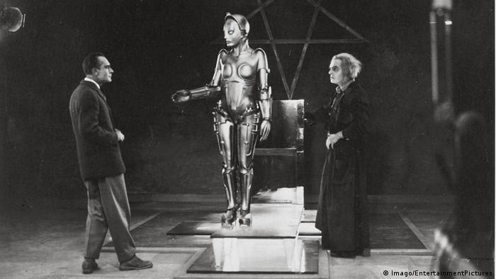Potongan film Metropolis karya Fritz Lang