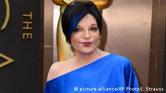 Liza Minnelli arrives at the Oscars in 2014 Jordan Strauss/Invision/AP, File