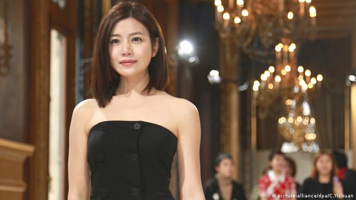 Michelle Chen Paris Fashion Week Frankreich
