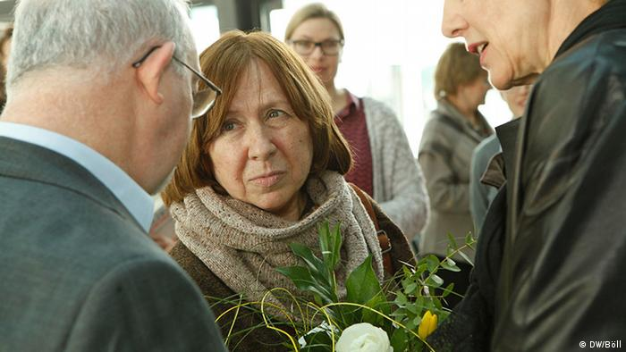 Светлана Алексиевич в боннской штаб-квартире DW