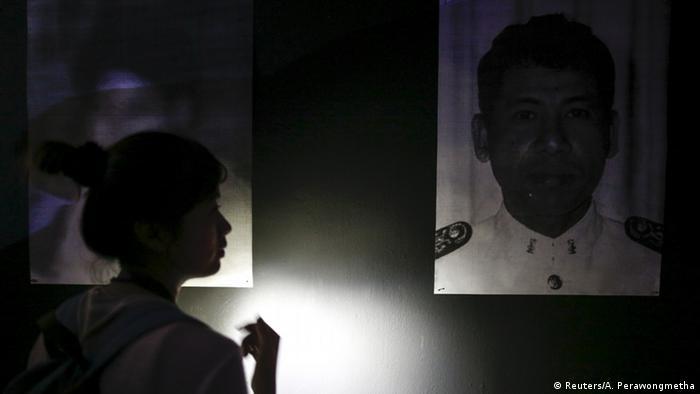 Thailand Protestkunst gegen die staatliche Repression Ausstellung des Künstlers Jirawut Ueasungkomsate