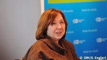 Swetlana Alexandrowna Alexijewitsch zu Besuch in der DW