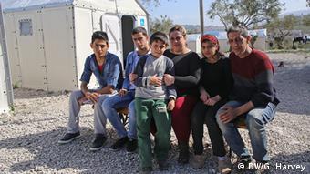 Οικογένεια Σύρων προσφύγων στη Λέσβο