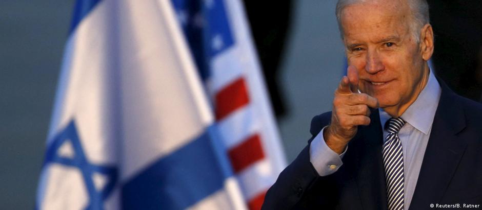 Israel Vize-Präsident Joe Biden am Flughafen von Tel Aviv