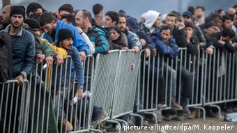 Πριν από ένα χρόνο, στις 9/3/2016, έκλεισε η Βαλκανική Οδός (picture-alliance/dpa/M. Kappeler)