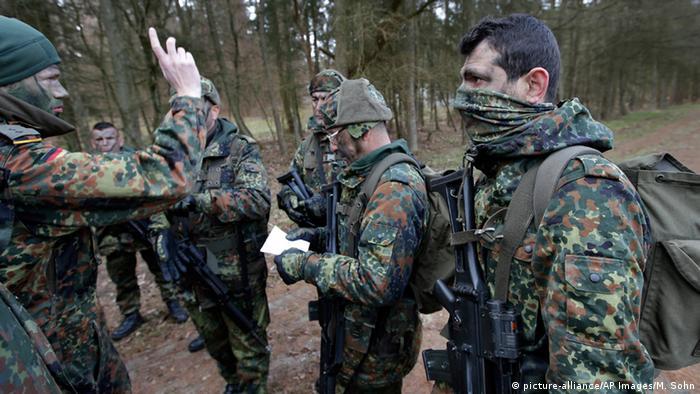 German soldiers train peshmerga soldiers