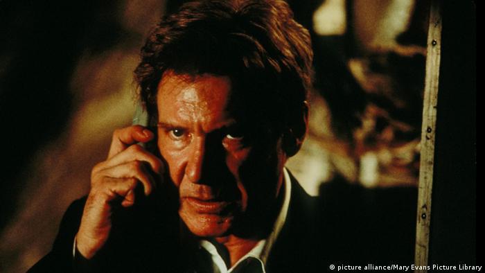 Harrison Ford derrota a los terroristas.