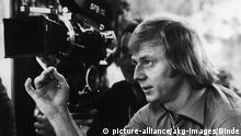 Deutschland Wolfgang Petersen bei den Dreharbeiten zu Hans im Glueck