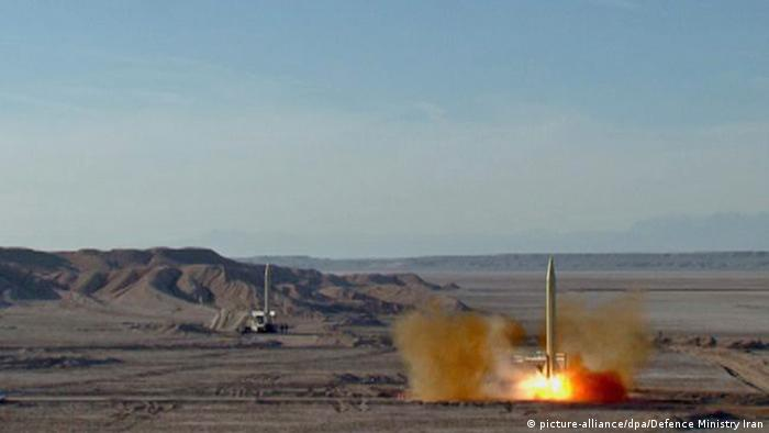 Iran makes missiles tests (picture-alliance/dpa/Defence Ministry Iran)