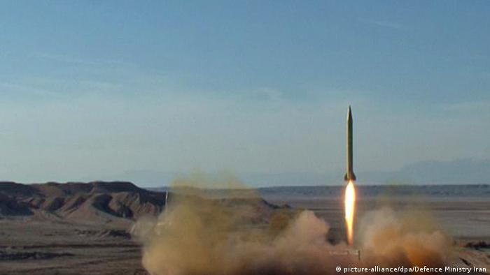 Iran makes missiles tests