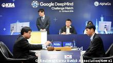 ***Achtung: Verwendung nur in Zusammenhang mit der aktuellen Berichterstattung über das Duell Mensch gegen Computer in Seoul!**** 09.03.2016**** Go player Lee Sedol (R) looks on after putting the first stone against Google's artificial intelligence program AlphaGo as Google DeepMind's lead programmer Aja Huang (L) prepares for the first stone during the Google DeepMind Challenge Match in Seoul, South Korea, in this handout picture provided by Korea Baduk Assosication and released by News1 on March 9, 2016. REUTERS/Korea Baduk Association/News1ATTENTION EDITORS - FOR EDITORIAL USE ONLY. NOT FOR SALE FOR MARKETING OR ADVERTISING CAMPAIGNS. THIS IMAGE HAS BEEN SUPPLIED BY A THIRD PARTY. IT IS DISTRIBUTED, EXACTLY AS RECEIVED BY REUTERS, AS A SERVICE TO CLIENTS. SOUTH KOREA OUT. NO COMMERCIAL OR EDITORIAL SALES IN SOUTH KOREA. NO RESALES. NO ARCHIVE. © Reuters//Korea Baduk Association/News1