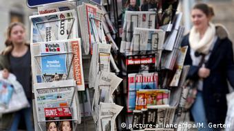 Από το 2025 τα κέρδη των ψηφιακών εκδόσεων αναμένεται να εξισορροπούν τις απώλειες που καταγράφουν οι δημοσιογραφικές επιχειρήσεις από τις μειωμένες πωλήσεις των έντυπων εκδόσεών τους
