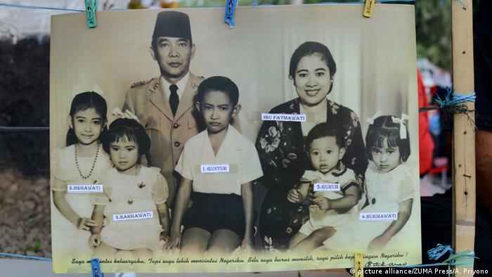 Indonesien ehemaliger Präsident Sukarno mit Familie