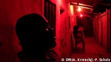 Januar 2016 +++++++++Opfer Menschenhandel , Bild 4: Schleuser in einer Hinterhof-Bar in Benin City (c) DW/A. Kriesch/J.-P. Scholz