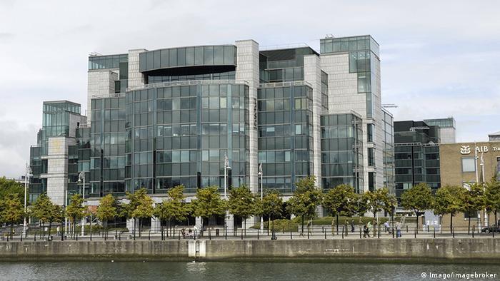 Irland Dublin Finanzdistrikt Gebäude der AIB Bank