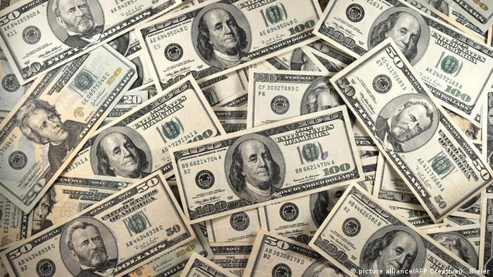 Dollari (picture alliance/AFP Creative/K. Bleier)
