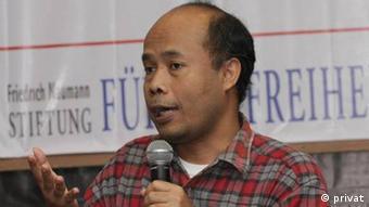 @wahyususilo Pendiri Migrant CARE, sekaligus bekerja sebagai analis kebijakan di lembaga tersebut. Tahun 2007, meraih Hero-Acting to End Modern Slavery Award dari Department of State USA.