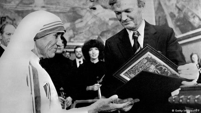 Indien Mutter Teresa bekommt den Friedensnobelpreis in Oslo