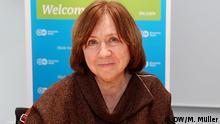Deutschland Bonn Swetlana Alexiewitsch zu Besuch bei DW