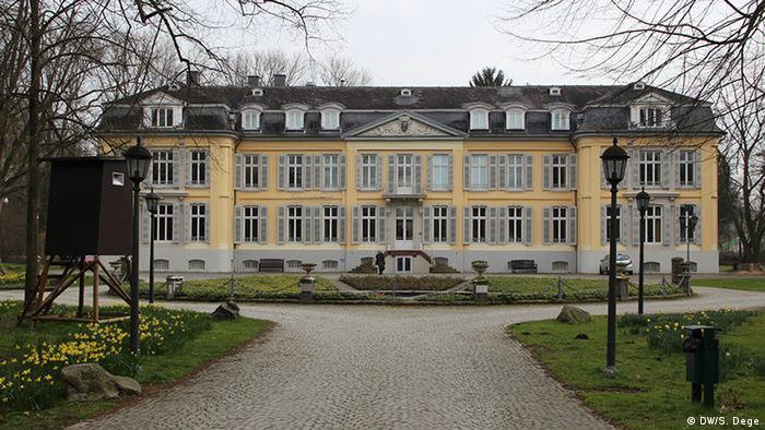 Fassade des Museums Schloß Morsbroich in Leverkusen, Foto: DW/Stefan Dege