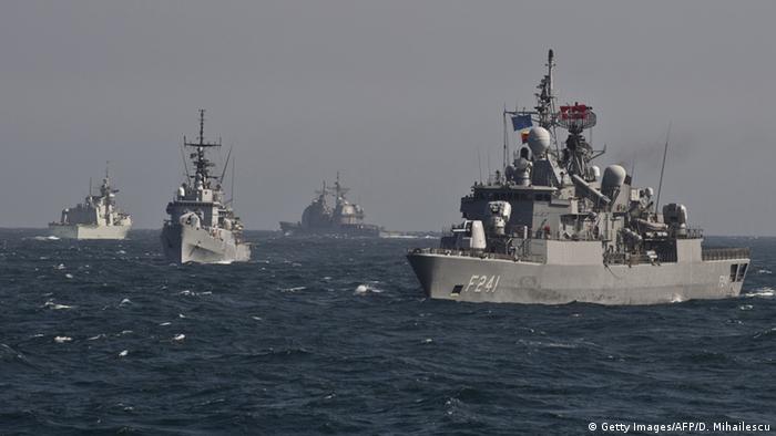 Военные корабли НАТО в Черном море во время учений в 2015 году