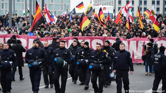 Berlin Demonstration Neonazis Regierungsviertel