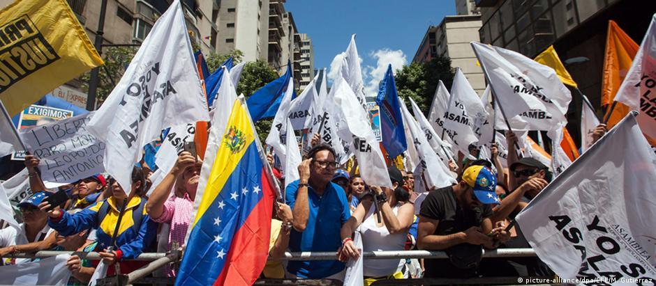 Meta de oposicionistas é renúncia do presidente venezuelano