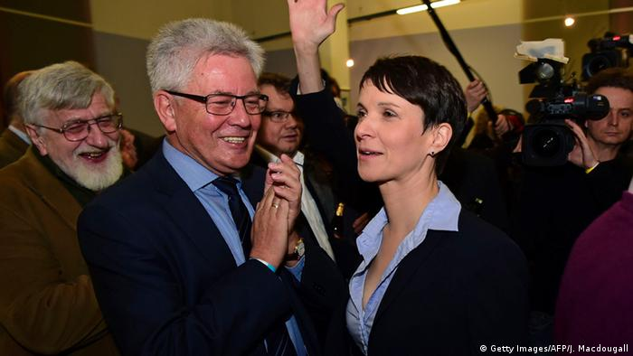 Frauke Petry (r.) (Foto: Getty Images)