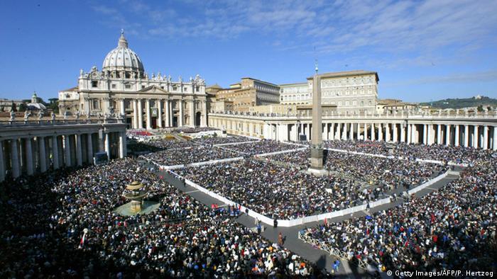 Beatificação de Madre Teresa reuniu milhares no Vaticano em 2003