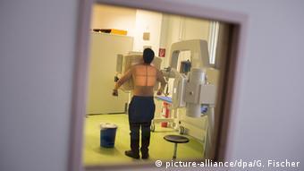 Ο γιατρός Καρλ Σένκελ επισημαίνει πως είναι εξαιρετικά σημαντική η έγκαιρη διάγνωση