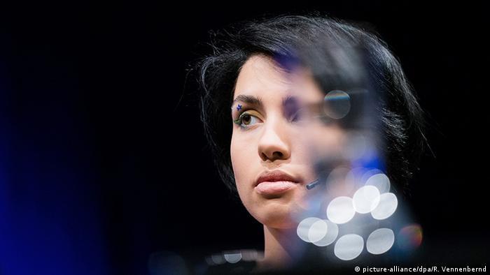 Köln Lit.Cologne Nadeschda Tolokonnikowa Pussy Riot (picture-alliance/dpa/R. Vennenbernd)