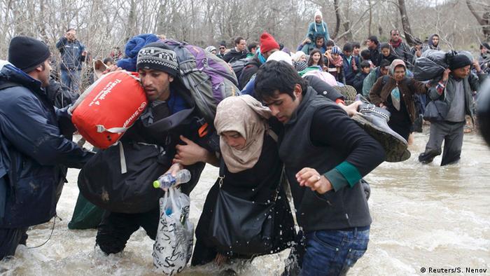 Griechenland Idomeni Flüchtlinge Suche nach Alternativen (Reuters/S. Nenov)