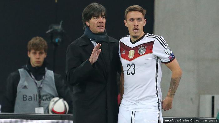 Esta escena probablemente no se verá en la Eurocopa de Francia 2016: Joachim Löw y Max Kruse.