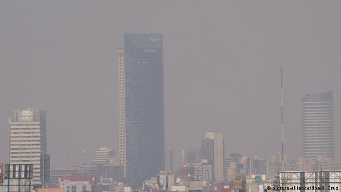 Mexiko Smog über Mexiko-Stadt