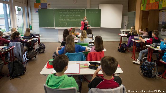 Deutschland Klassenzimmer Symbolbild