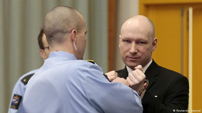 آندرس برایویک، در جلسه روز سهشنبه (۱۵ مارس) دادگاه