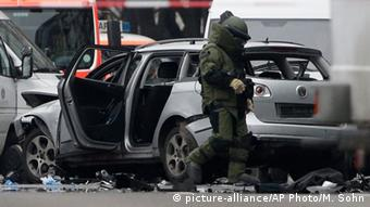 Взорванный в Берлине автомобиль, 15 марта 2016 года