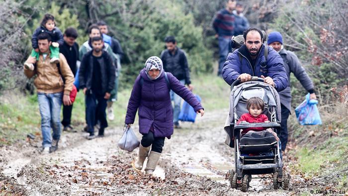 Idomeni Flussüberquerung Flüchtlinge Mazedonien