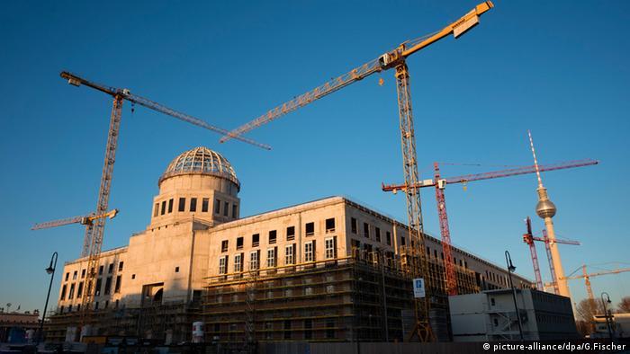 Baustelle des Berliner Schlosses, dem Humboldtforum in Berlin (Foto: picture-alliance/dpa/G.Fischer)