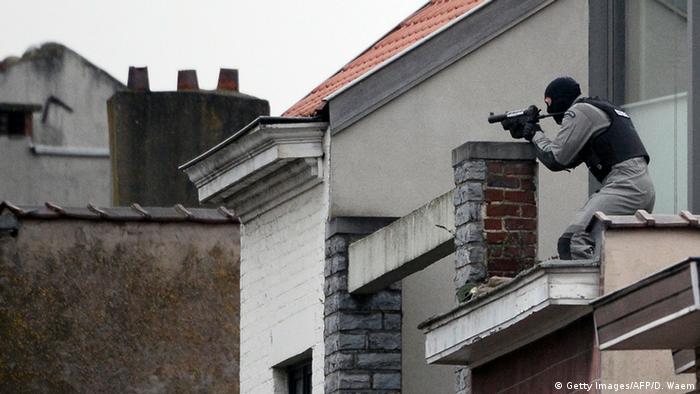 Belgien Schießerei bei Anti-Terror-Razzia bei Brüssel