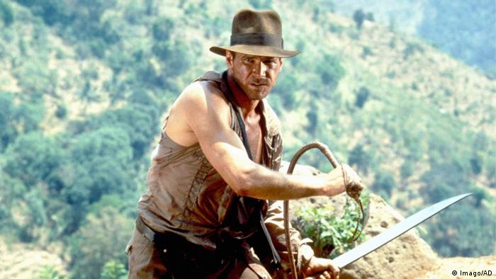 Indiana Jones film still - Harrison Ford with hat and whip (Imago/AD)