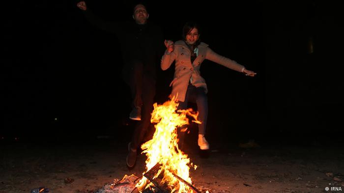Iran traditionelles Feuerfest Chaharshanbe Suri
