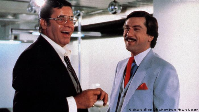 Jerry Lewis und Robert de Niro in The King of Comedy, beide lachend (picture-alliance/dpa/Mary Evans Picture Library)