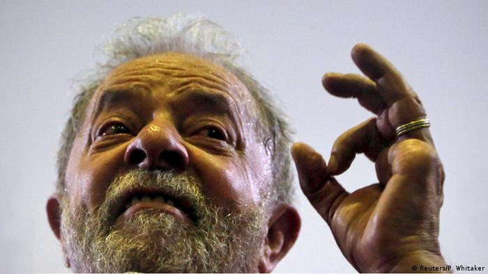 Brasilien bei Sao Paulo Luiz Inacio Lula vor Anhängern