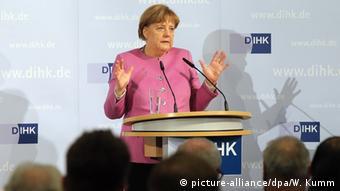 Angela Merkel auf der Vollversammlung der DIHK in Berlin